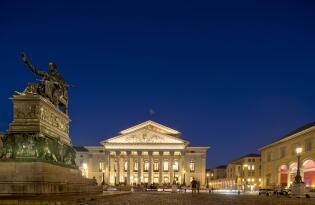 Erleben Sie weltberühmte Meisterwerke im größten Opernhaus Deutschlands