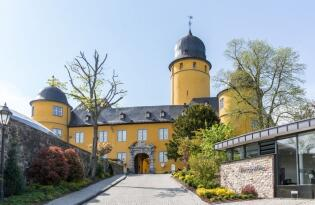 Premium Urlaub in barocker Schlossanlage über dem Westerwald