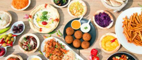 Abendbuffet oder 3-Gänge-Menü (nach Wahl der Küche)