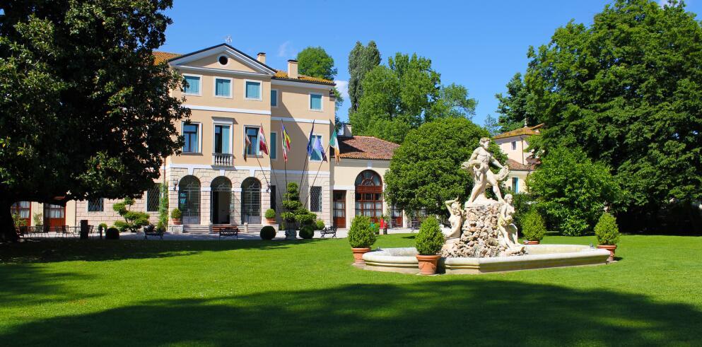 Best Western Hotel Plus Villa Tacchi 40844