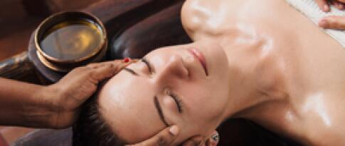 Hoofd- en gezichtsmassage (25 minuten)