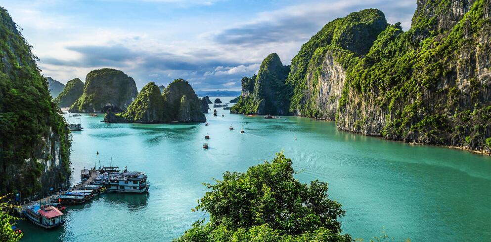Die Halong Bucht – UNESCO Weltnaturerbe & Weltwunder der Natur