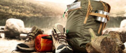 Geführte Wandertouren und Verleih von Wanderstöcken und Rucksäcken