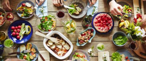 Tägliche Halbpension (mit 4-Gänge Menü als Abendessen)