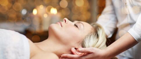 Kopf-, Nacken- und Rückenmassage (40 Minuten)