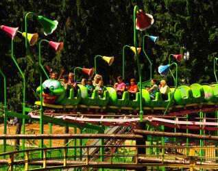 Kinderachterbahn Raupe Freizeitpark Plohn
