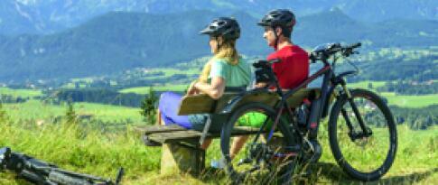 Mountainbikes und Nordic Walking Stöcke