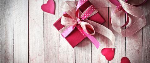 Romantische Dekoration zur Anreise im Zimmer