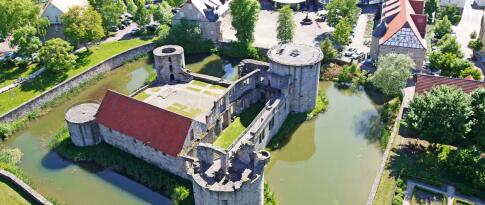 Freie Besichtigung der Burganlage