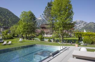 Traumhafte Wellnessoase mit Blick auf die Tiroler Alpen