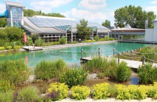 Spaß und Erholung in großer Badelandschaft und über 10 Saunen