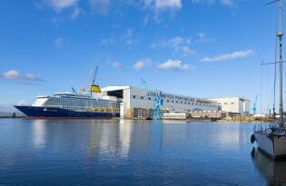 Näher am Schiffbau geht nicht – Führung durch eine der größten Werften