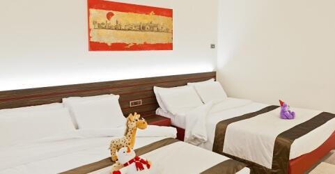 Antony Hotel 4