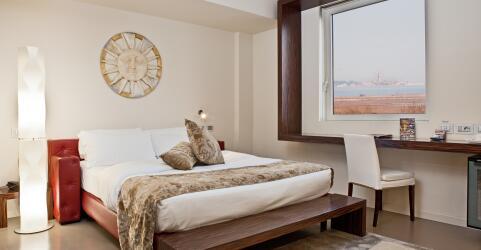 Antony Hotel 3