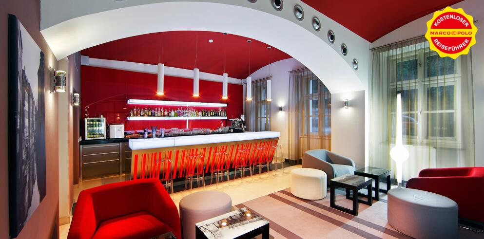 Red And Blue Prague Hotel 6253
