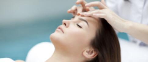 Kopf- und Nackenmassage (30 Minuten)