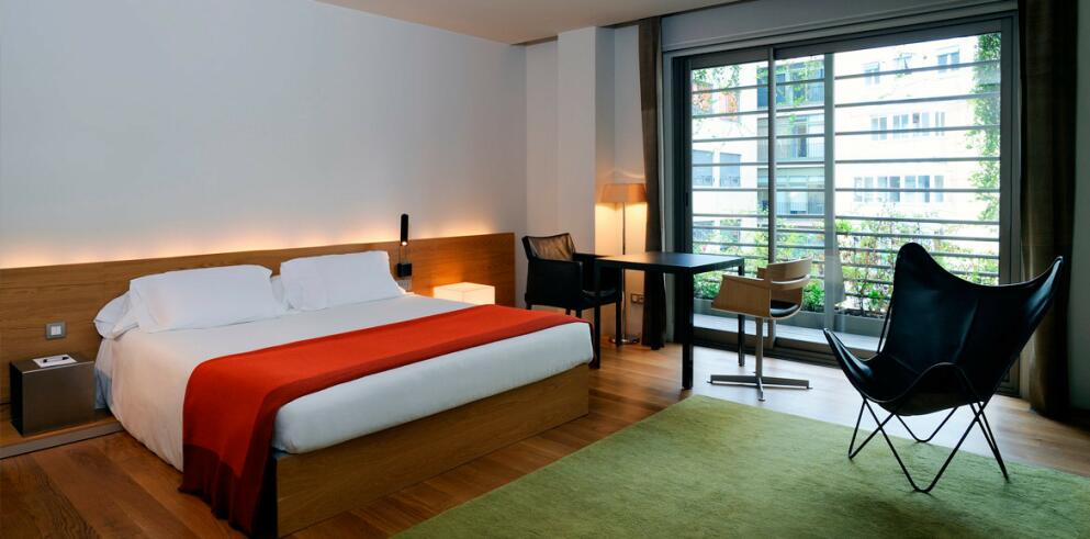 Hotel Omm 63