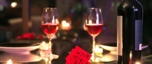 Upgrade zu einem Candle Light Dinner mit Weinbegleitung