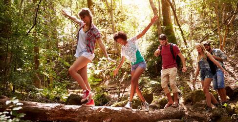 Urlaub mit Freunden in der Natur
