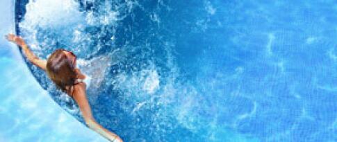 """Entree in het zwemparadijs """"Cascade"""""""
