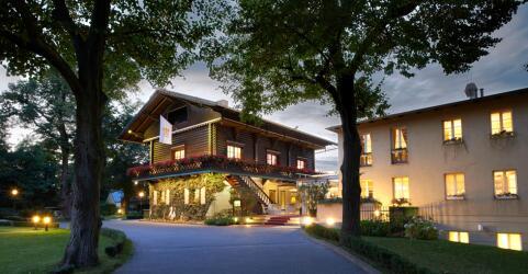 Relais & Châteaux Hotel Bayrisches Haus 0