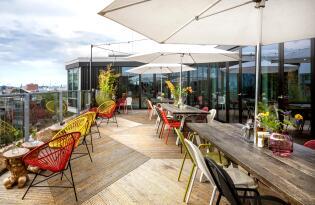 Über den Dächern von Amsterdam im stylischen Apartment