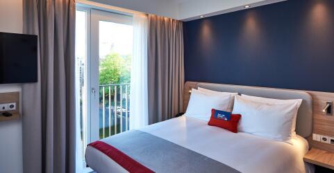 Holiday Inn Express Amsterdam – City Hall