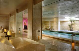 Gourmet und SPA im neuen Luxus Hotel mit Blick auf den Petersdom