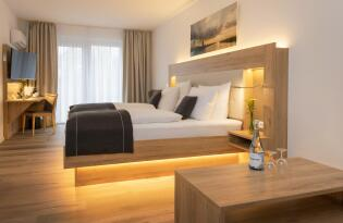 4* Four Stars by City Hotel