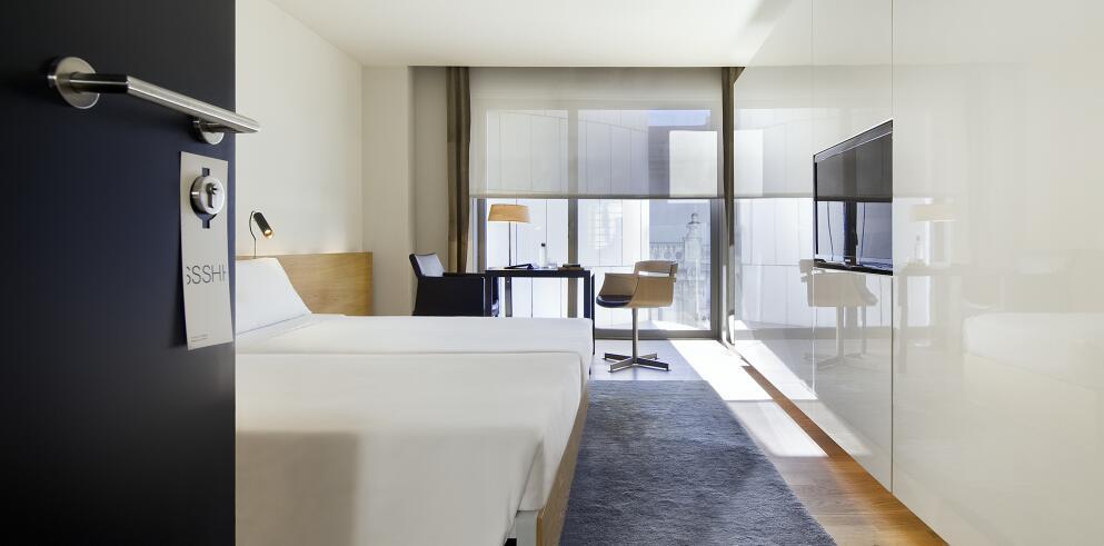 Hotel Omm 74