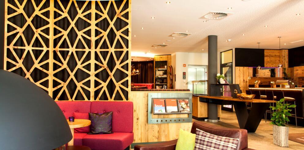 Anthony's Life & Style Hotel 7538