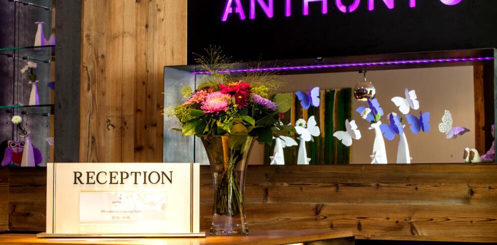 Anthony's Life & Style Hotel 7539
