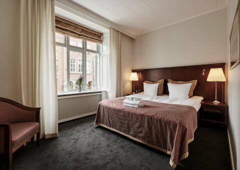 Ascot Hotel-3