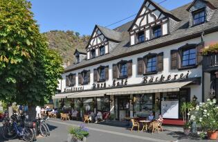 Zwischen Weinbergen und spektakulären Naturkulisse in der beliebtesten Weinregion Deutschland