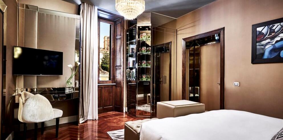Spagna Royal Suite 7954