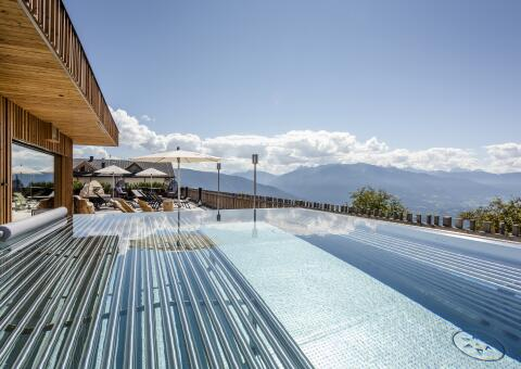 TRATTERHOF - The Mountain Sky Hotel