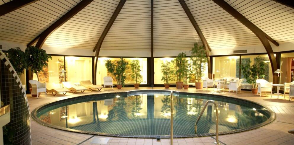 Romantik Hotel Landschloss Fasanerie 8549
