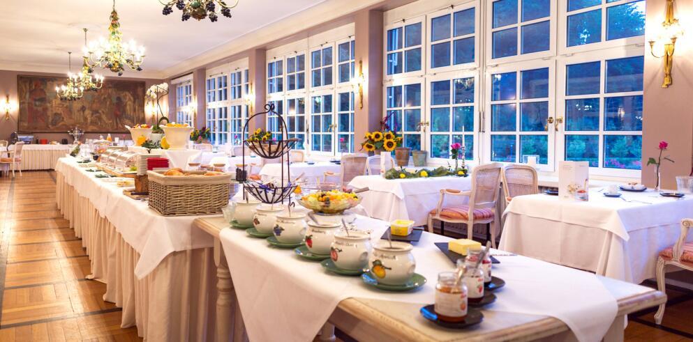 Romantik Hotel Landschloss Fasanerie 8557