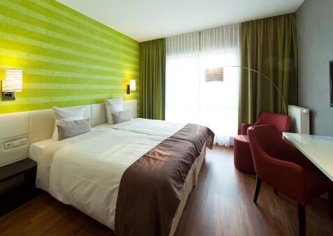 kedi-hotel-papenburg-meyer-werft-besichtigung-1