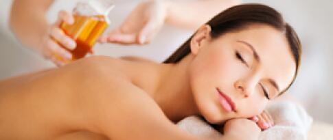 Aromaöl Ganzkörper Massage